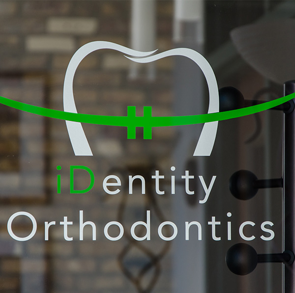 id_ortho_entrance_logo